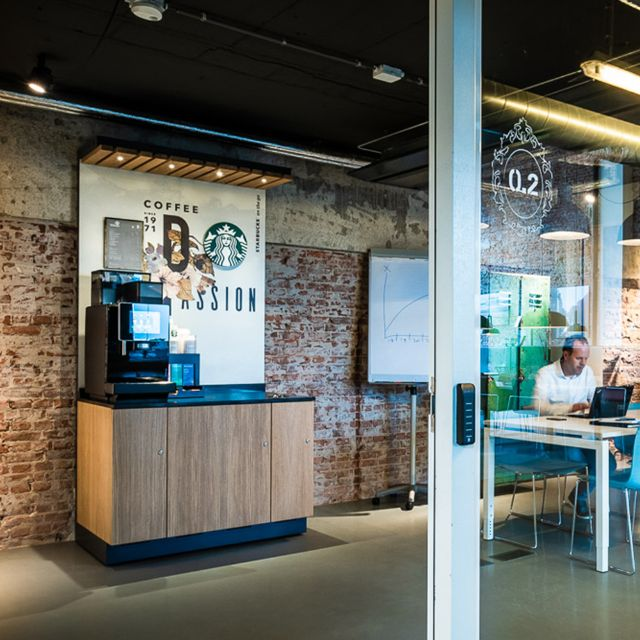 Starbucks on the go Workplace - Starbucks authentic design