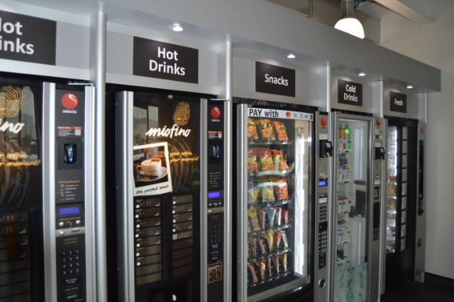Coffee and cold drinks and snacks vending machines at The Works